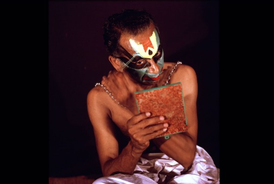 applying kathakali makeup