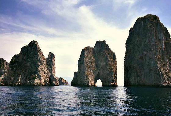 italy-amalfi-coast-faraglioni-rocks-greenwithrenvy