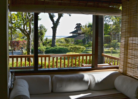 myanmar-inle-lake-lakeview-hotel-finding-sanctuary-couch