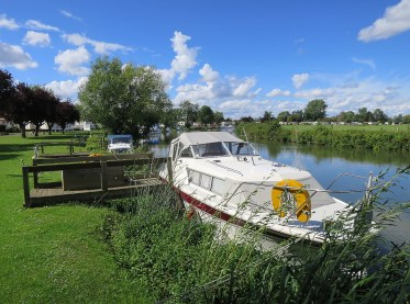 Bablock Hythe Boat Mooring
