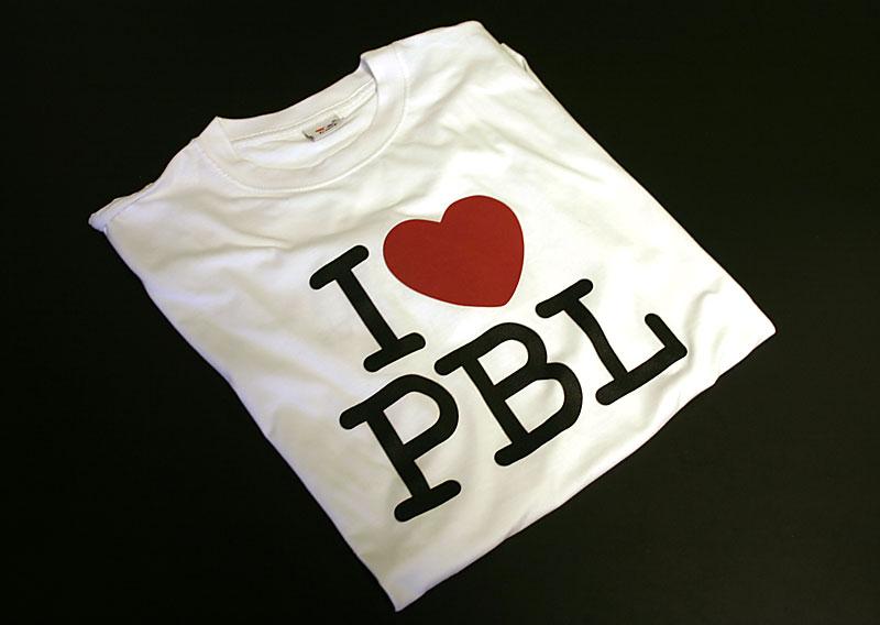 """T-shirts med Kampanjlogotypen """"I love PBL"""" framtagna av Greenhouse"""