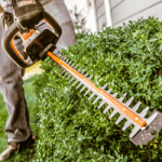 Best Gas Hedge Trimmers – Reviews and Buyer's Guide