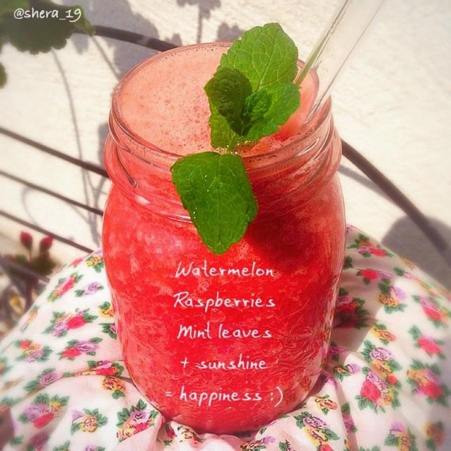 Wassermelonen Himbeere Minze Smoothie / sharonesse.blogspot.de