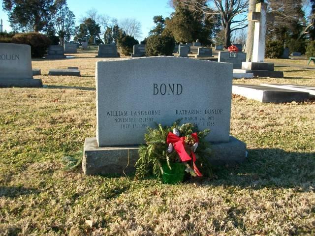 Bond grave sit December 2013 001