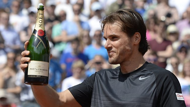 Tennis hunk Tommy Haas keeps turning back time