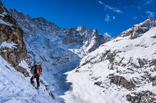 Contemplation de la vallée du glacier de la plate des Agneaux