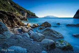 La Cala di Mitigliano. Au fond l'île de Capri