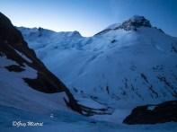 Départ de la voie dans le dépôt d'avalanche