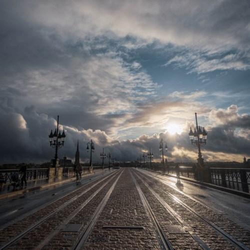 Coucher de soleil sur le pont de pierre