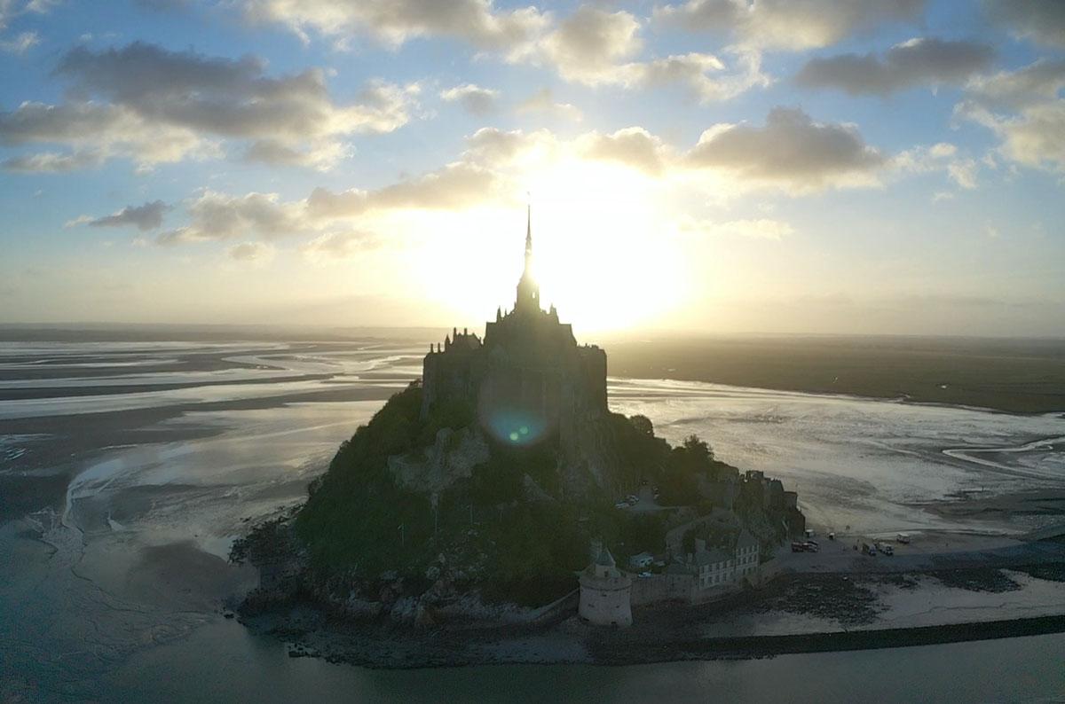 Mont saint michel au drone
