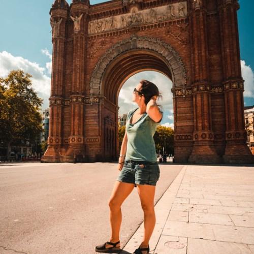 Portrait devant l'arc de triomphe Barcelone