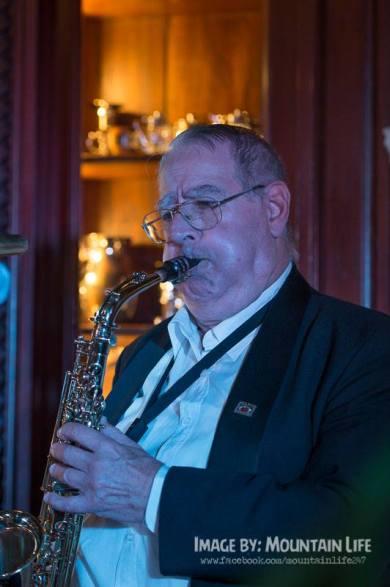Jim Elliot, alto sax, Greg Poppleton and the Bakelite Broadcasters