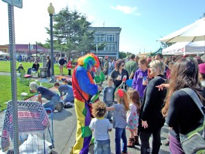 Arcata-CA-Pastels-on-the-Plaza-clown