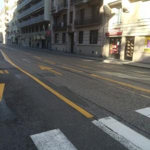 Ol restait 5 mètres entre les deux voies bus avenue Agutte Sembat: 4 mètres vont être réservés aux vélos