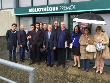Alain Carignon accompagné d'Adrien Fodil, François Tarantini, Nicolas Ponchut, Aziz Sahiri, Michel Poncerry, Clément Chappet... pour soutenir la bibliothèque Prémol