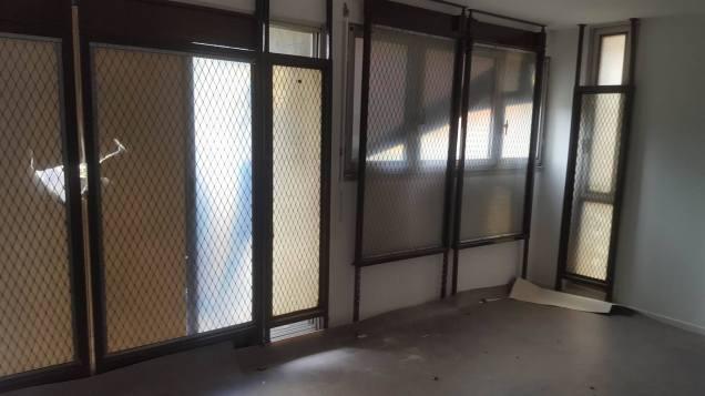 E.Piolle fait poser des grilles à l'intérieur des appartements de Mistral pour que les locataires puissent se protéger mais il étend les constructions