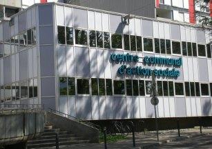 le siège du Centre Communal d'action Sociale (CCAS) installé à Villeneuve par la municipalité Carignon va être fermé par la municipalité Piolle et le bâtiment démoli. Encore de l'activité qui disparait