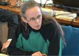 L.Comparat (Verts/ades) a été huée pendant son intervention