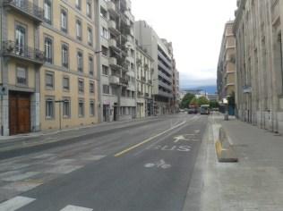 Mardi 6 septembre à 8h30 : depuis la rue lesdiguières en regardant vers Hoche ...