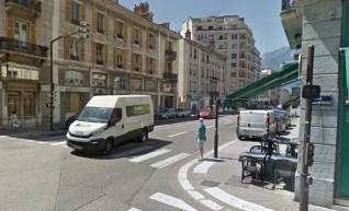 rue Lesdiguières, E. Piolle a fait supprimer ces feux pour les piétons