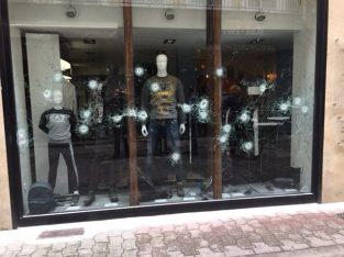 28 impacts de balles samedi soir à 22 h 30 rue des Clercs en plein centre ville