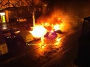 Un riverain a photographié les voitures en feu rue Capitaine Camine