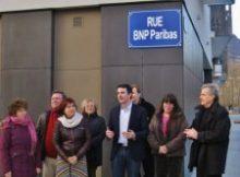 """Pendant la campagne E.Piolle avec E.Martin et R.Avrillier sont allé inaugurer une rue BNPParibas pour protester contre """"l'emprise des banques"""""""