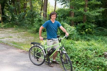 et Maël Besson ont tenté avec l'appui de Y.Mongaburu (Verts/Ades) de vendre leurs vélos à la Métro