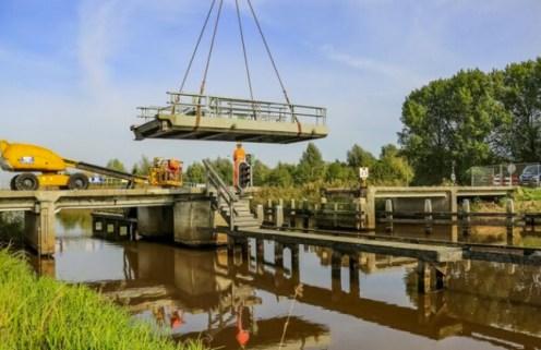 Vervanging brug Booneschans (Foto Hilvert Huizing, Streekblad)