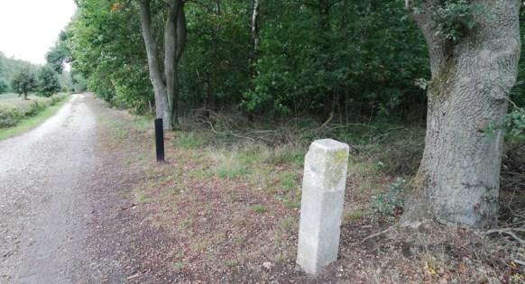Grenspaal aan de rand van het Reichswald