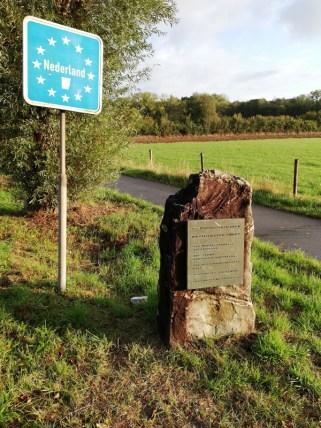 Bord op oude grenspaal bij Westzipfel