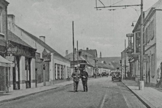 Foto van de grens bij het centrum, met Belgisch douanekantoor, 1925