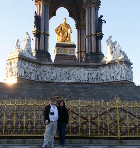 Traipsing across Hyde Park to see the Albert Memorial