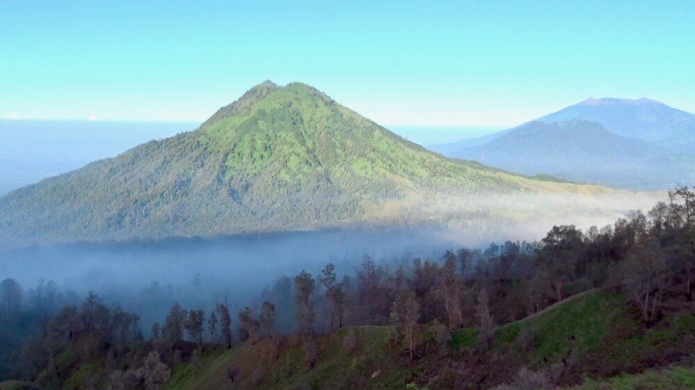 Beautiful view on the hike down from Kawah Ijen