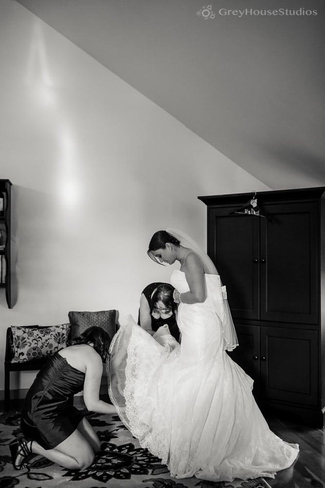 priam vineyards wedding photos bride getting ready