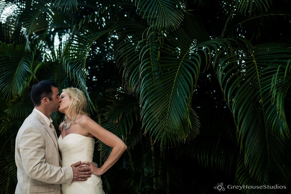 isla-verde-beach-resort-carolina-puerto-rico-wedding-photos-old-san-juan-pr-hotel-la-playa-photography-bridget-dom-greyhousestudios-027