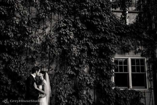 winvian-wedding-photos-morris-ct-litchfield-hills-photography-lauren-dan-greyhousestudios-053