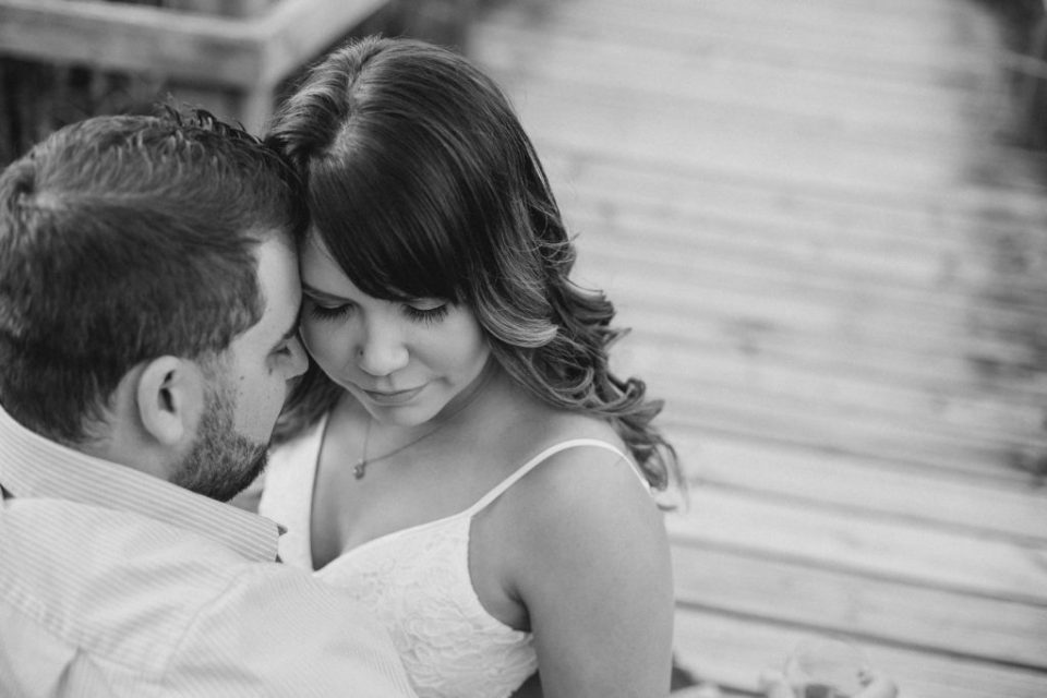 beautiful portrait of a couple very in love during an engagement session with beautiful outfits Best Tips