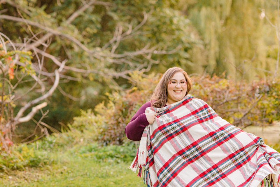 Cute pose with blanket-Fall Session - Ottawa Wedding Photographer - Grey Loft Studio - Wedding in Ottawa - Yellow & Plaid with Burgundy Knit Sweater and Jeans - Ottawa Photography Spots - Photographer Needed Ottawa  - Ottawa Camera Traffic - Ottawa Photographers Wedding - photographer in Ottawa
