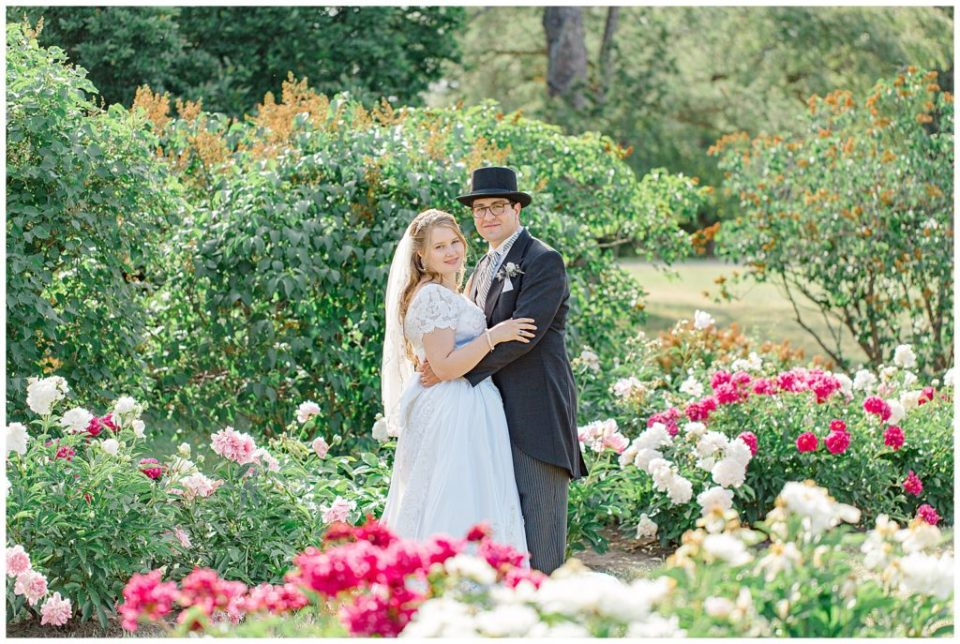 Peonies at the Ornamental Gardens - Bride & Groom - Tropical Greenhouses - Ottawa - Wedding Day - Grey Loft Studio - Wedding Photographer