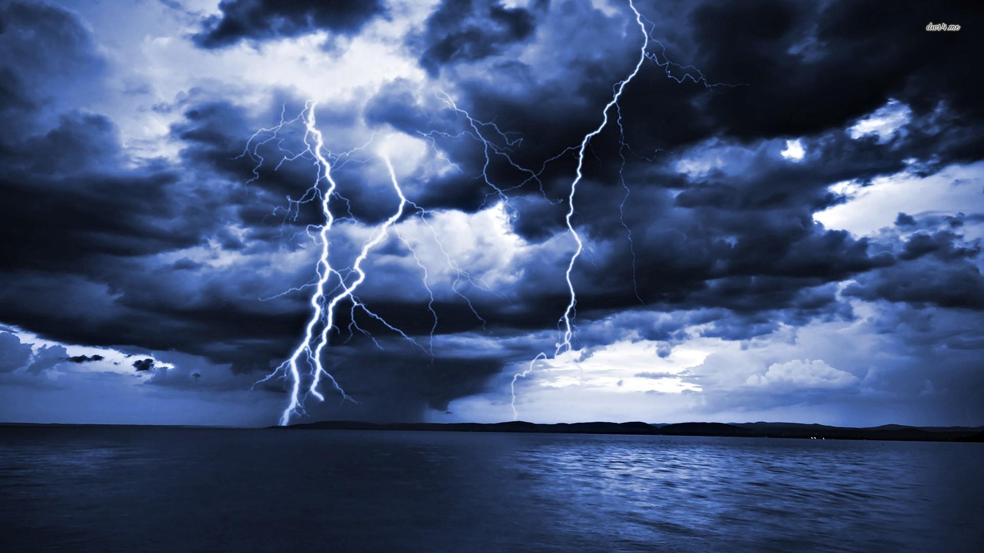 Wind Nature Vs Lighting Nature