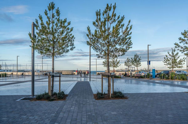Greystones-Plaza-at-the-Harbour.jpg