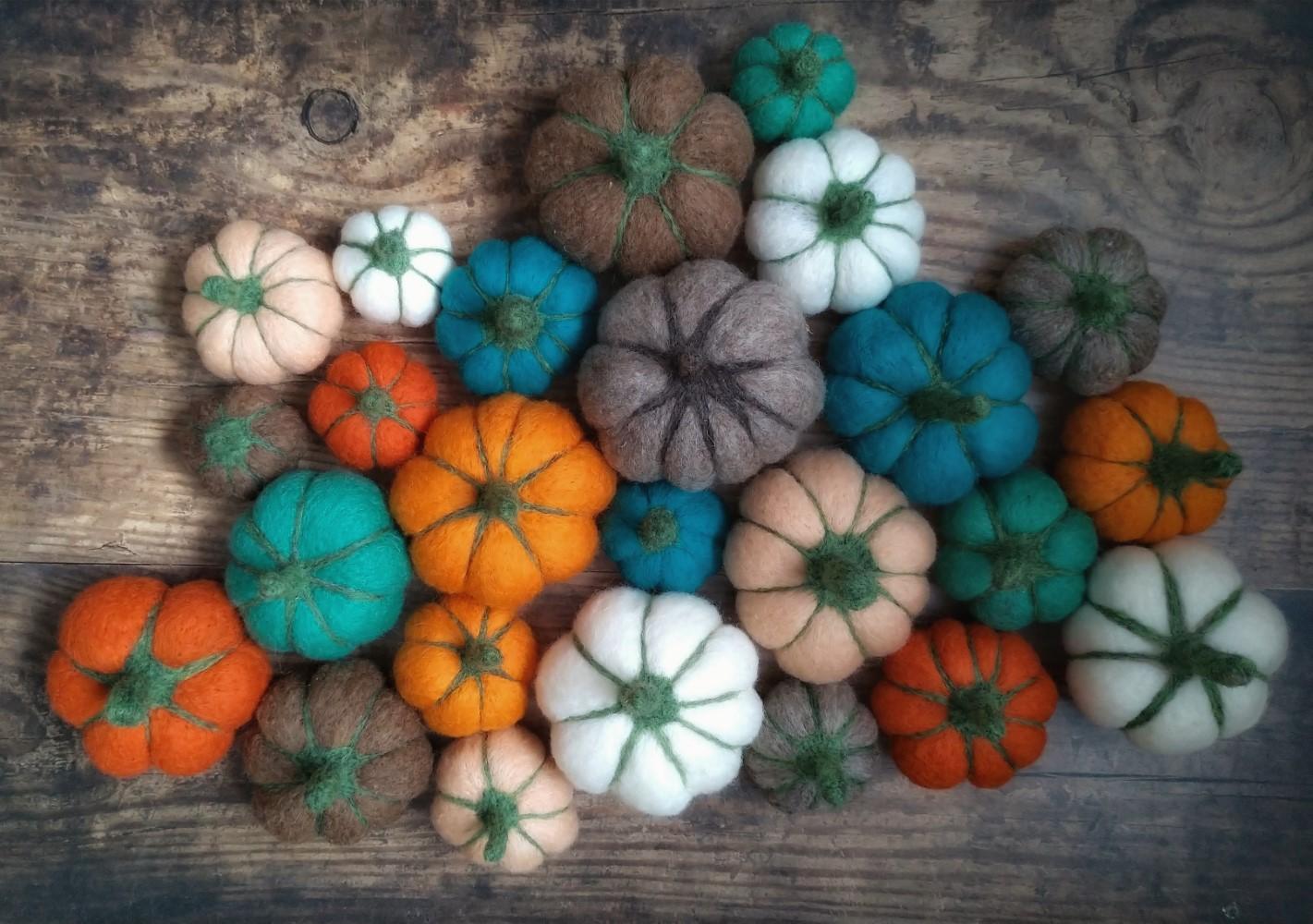 Set of 3 Needle Felted Pumpkins - 8 colour choices - Grey Wren Studio