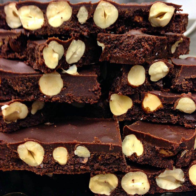 cioccolato crudo e nocciole Grezzo raw chocolate