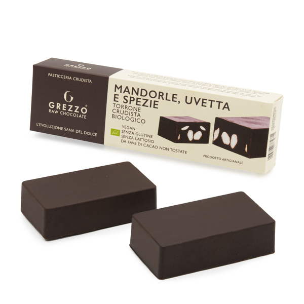 torrone di cioccolato crudo con mandorle uvetta e spezie