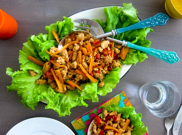 Omnom salatvefja með chilíkjúklingi
