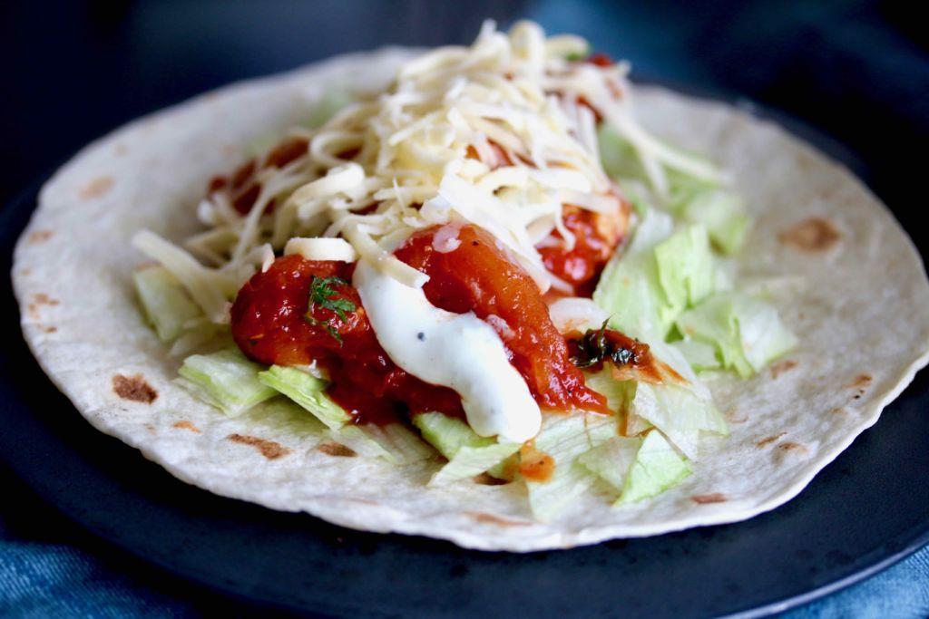 Burritos með chilíkjúklingi og hvítlaukssósu