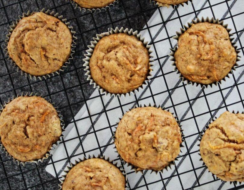 Vegan gulrótarköku muffins með pekanhnetum