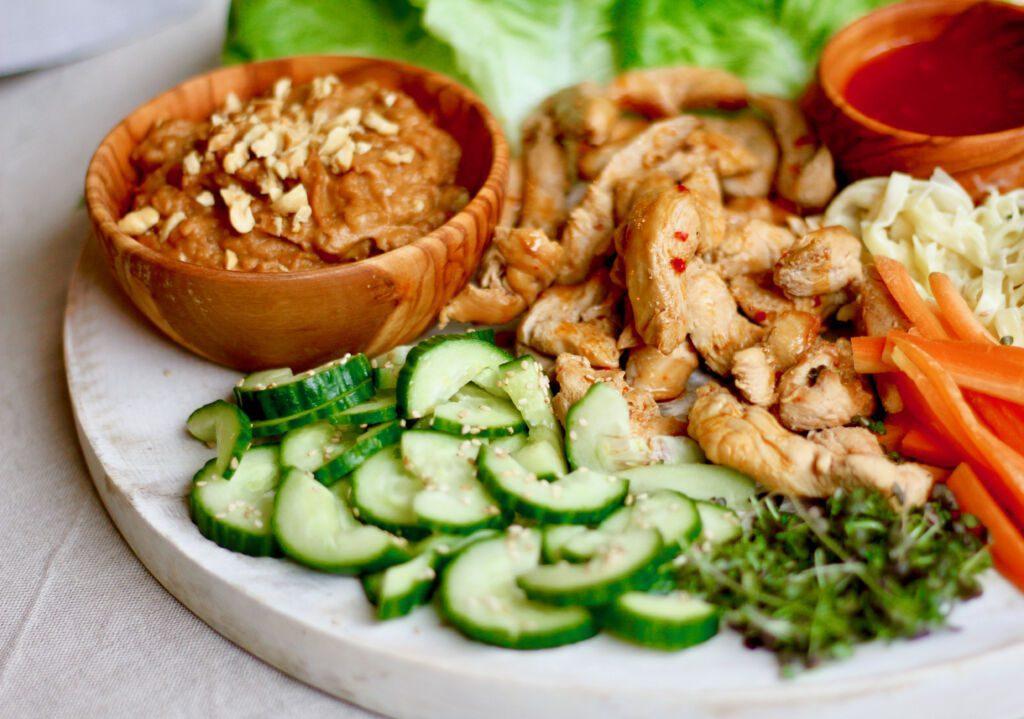 """Thai kjúklinga salatvefjur eins og á """"Cheesecake factory"""""""