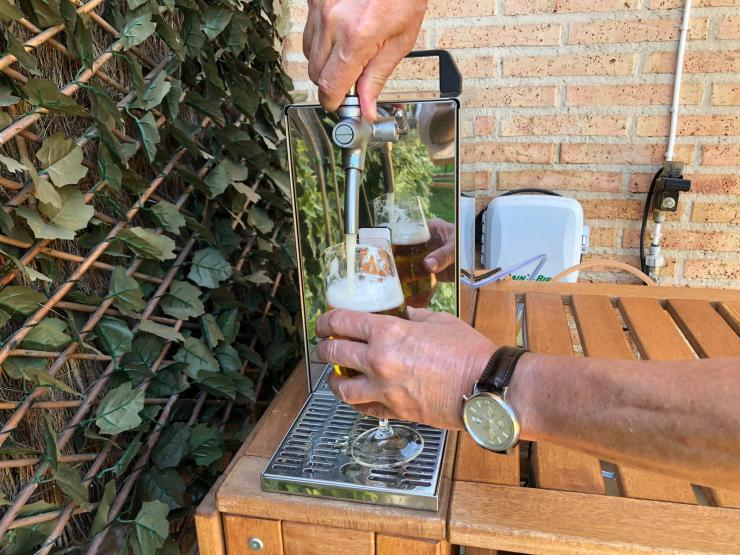 Alquiler de grifos de cerveza con barril mahou